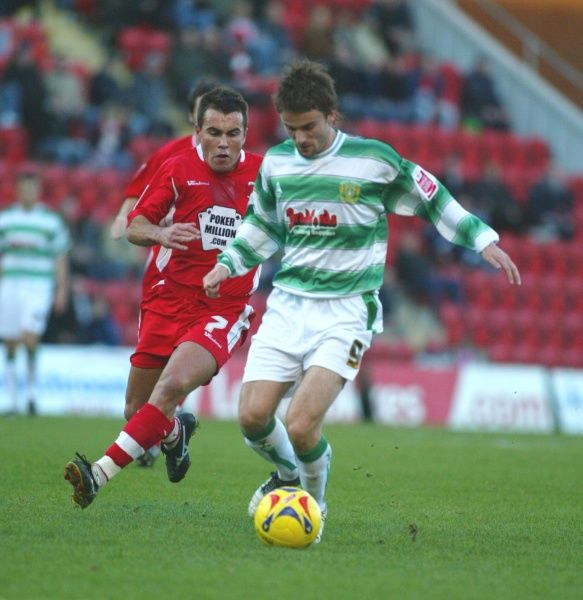 Arron Davies on the attack against Leyton Orient. 18th November 2006