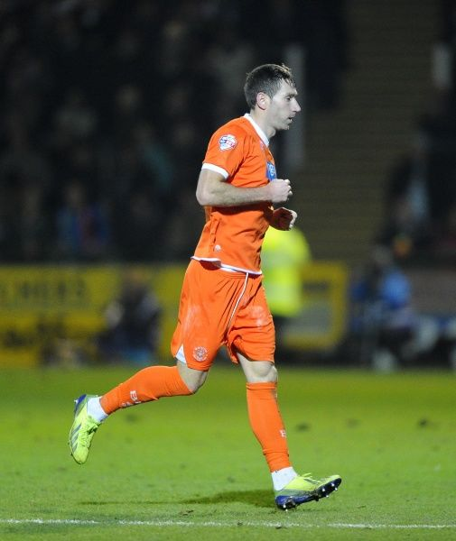 Blackpool's Kirk Broadfoot is sent off - Photo mandatory by-line: Joe Meredith/JMP - Tel: Mobile: 03/12/2013 - SPORT - Football - Yeovil - Huish Park - Yeovil Town v Blackpool - Sky Bet Championship