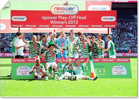 Yeovil players celebrate promotion - Photo mandatory by-line: Joe Meredith/JMP - Tel: Mobile: 19/05/2013 - SPORT - FOOTBALL - LEAGUE 1 - PLAY OFF - FINAL - Wembley Stadium - London - Brentford V Yeovil Town
