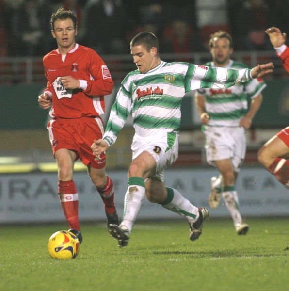 Anthony Barry breaks against Leyton Orient. 18th November 2006