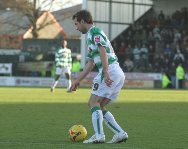 Marcus Stewart in action against Brentford in Coca-Cola League 1 at Huish Park. 20th January 2007